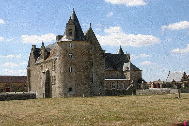 Défense et plaisance au Château de Saveilles