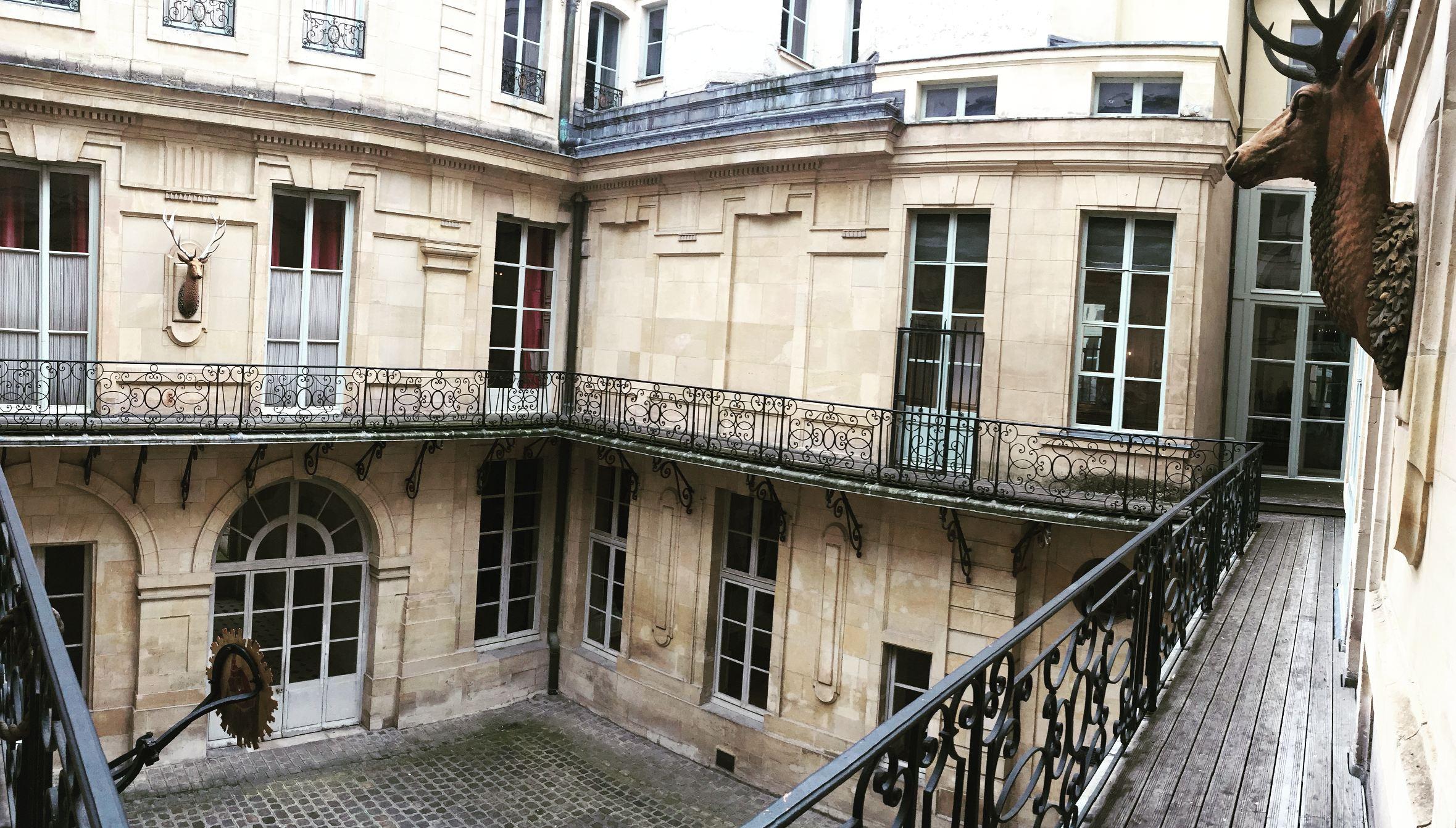 Découvrir les lieux cachés du château de Versailles